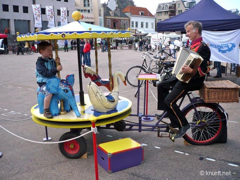 fiets_aangedreven_draaimolen.jpg